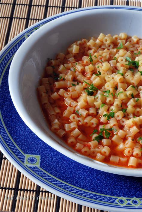 cucinare aguglia tubetti alla marinara di aguglie sud italia in cucina