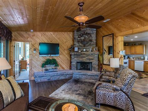awesome location beautiful 2 bedroom beautiful two bedroom cabin in a unique location prescott arizona rentbyowner rentals