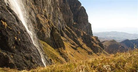 imagenes de paisajes sin copyright paisaje de monta 241 a con cascada imagenes sin copyright