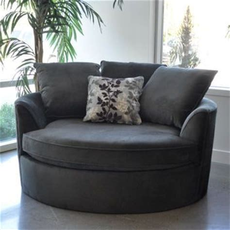 round cuddle couch 25 best ideas about cuddle chair on pinterest oversized