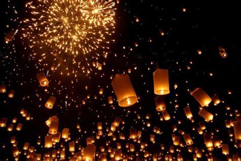 lanterne volanti firenze cosmic lantern festival will light up s wadi