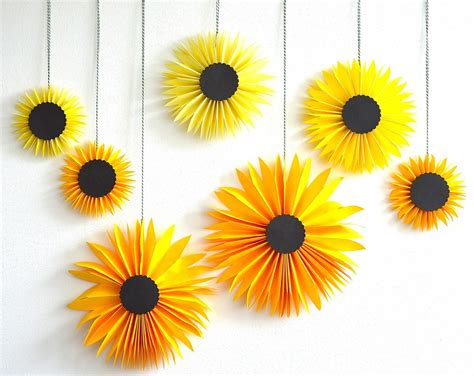 Paper Sunflowers - paper sunflowers via be color and createforless