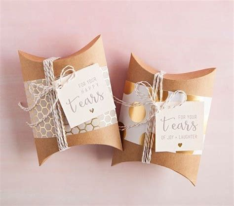 Wedding Gifts For by 21 Thoughtful Wedding Gifts For Your Parents Brit Co