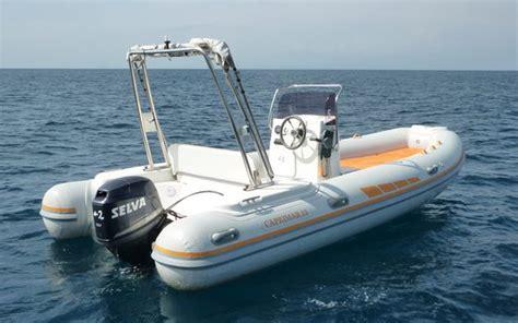 gommoni con cabina noleggio barche escursioni transfer boat