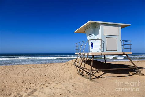 Surf Duvet Cover Huntington Beach Lifeguard Tower Photo Photograph By Paul