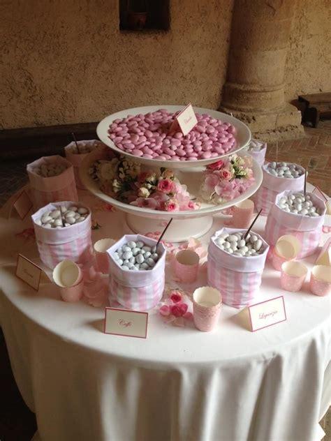 tavolo confetti matrimonio tavolo dei confetti bomboniere e confetti