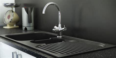 Bak Cuci Piring Bekas ini cara bikin bak cuci piring kinclong dalam waktu singkat merdeka