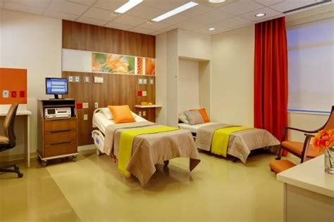 Francis Hospital Emergency Room by L 252 Ks Hastane Hasta Odas箟 Dekorasyonu Patient Room