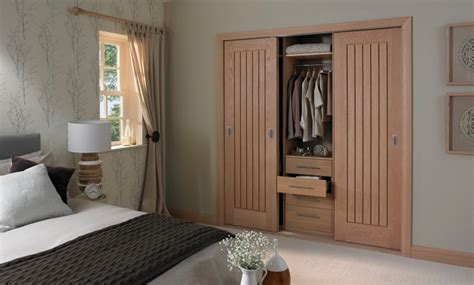 Bedroom closet door ideas advice amp inspiration howdens joinery