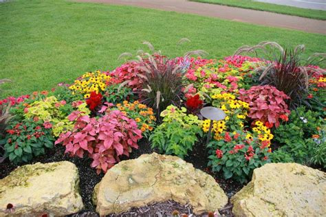 Designing A Flower Garden Layout Gardening Landscaping Annual Flower Bed Designs Interior Decoration And Home Design