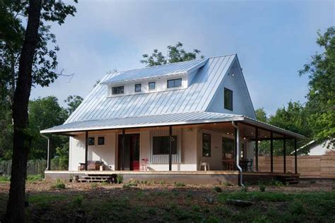 pictures of houses with metal roofs beautiful silver roof home with steel construction porch 9 pictures metal building