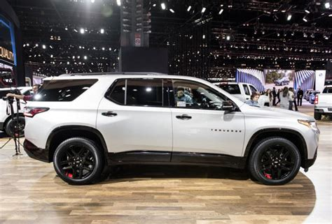 chevrolet traverse review price specs release