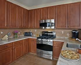 kitchen cabinet countertop color combinations which quartz colors work best with cherry cabinets