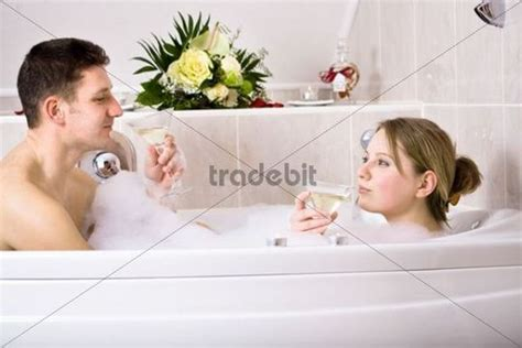 Bathtub For Couples by In The Bathtub