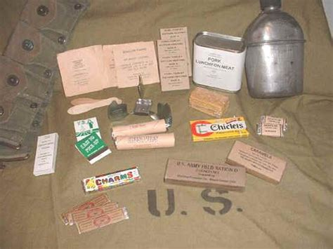 Paket 2 In1 c rations d rations from ww2 and korea soldier food in