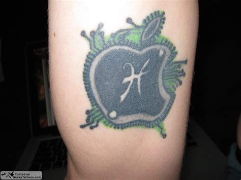 apple tattoos geeky tattoos part 38