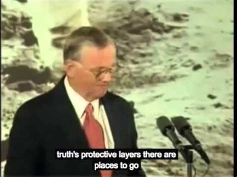 neil alden armstrong biography in hindi neil armstrong cryptic speech
