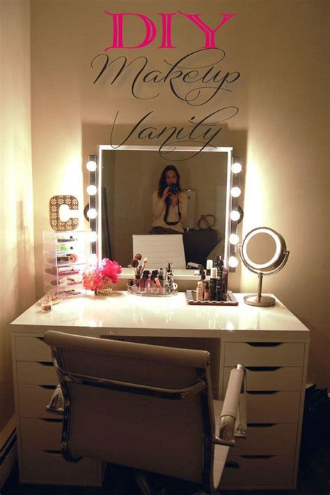 Vanity Area In Bedroom by 17 Best Ideas About Vanity On Makeup Vanities Ideas Makeup Vanity Tables And
