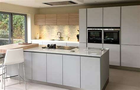 grey kitchen insel next 125 white and grey glass with ash veneered wall