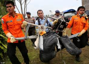 airasia victims divers detect signals from airasia planes black box