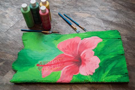 how to apply acrylic paint on canvas how to use acrylic paint on wood with pictures ehow