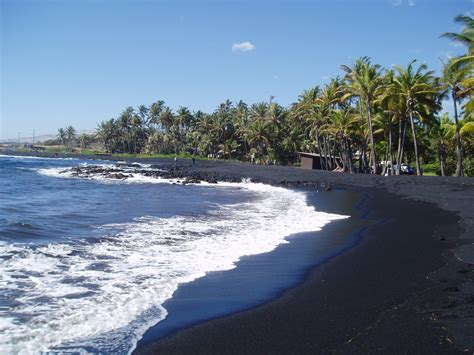where is the black sand beach pualu black sand beach 182r2dh hawaii top ten
