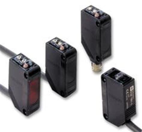 Photoelectric Sensor Omron E3z Ls61 e3z d81 2m omron industrial automation photoelectric sensor e3z series 100 mm farnell uk