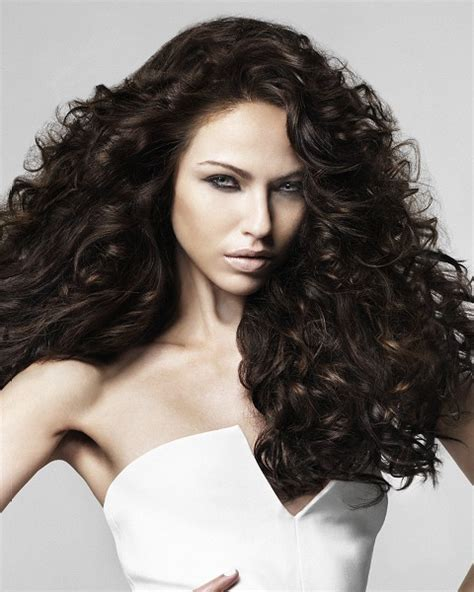curly hairstyles volume pictures 2009 spring hairstyle trends for long hair