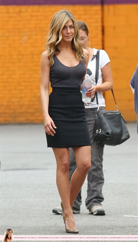 Jennifer Aniston Skirt   HAIRSTYLE GALLERY