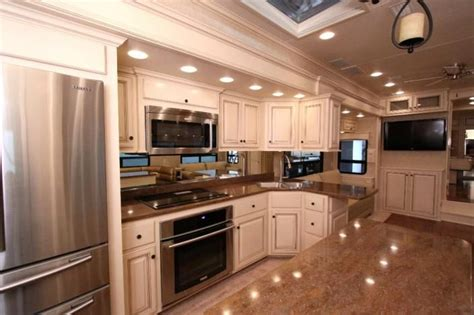 Arctic Fox Rv Floor Plans by 17 Best Ideas About Luxury Rv On Pinterest Luxury