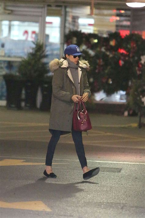 meghan markle toronto address meghan markle shopping in toronto 09 gotceleb