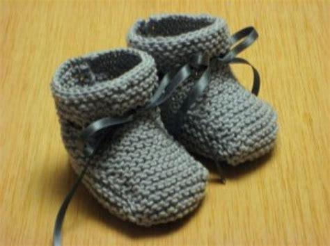 como hacer zapatitos tejidos c 243 mo hacer unos patucos para beb 233 zapatos tejidos