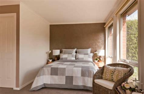 braune wandfarbe schlafzimmer braune wand gispatcher