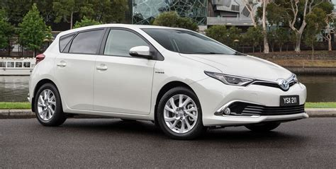 toyota hatchback 2016 toyota corolla hybrid hatch confirmed for australia