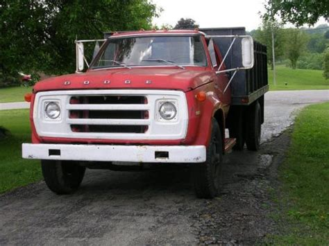 dodge d600 sell used 1974 dodge d600 stake bed truck in louisville