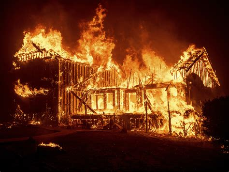 wildfire destroys   butte county town  paradise