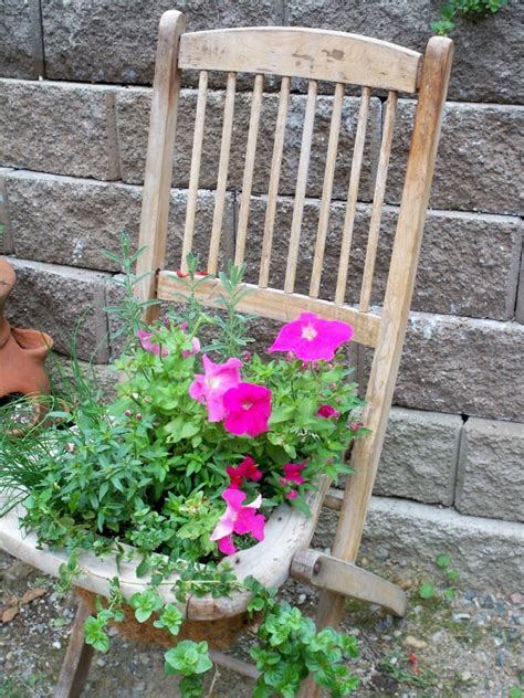 Plants Ideas For Outdoor Planters by Clever Plant Container Ideas The Micro Gardener