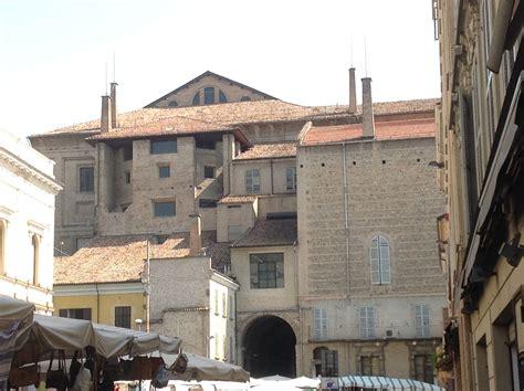 ghiaia parma particolare retro palazzo della pilotta piazza