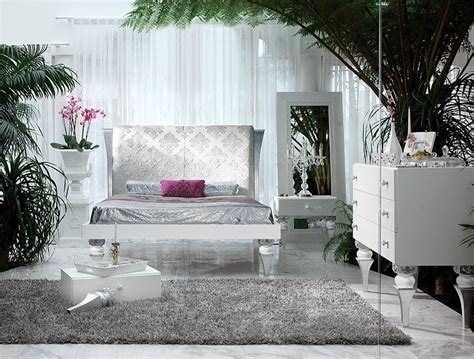 white and silver bedroom furniture magnus white and silver leaf bedroom set