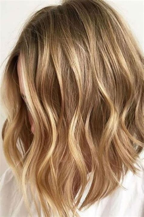 hairstyles with blonde and caramel highlights 25 best ideas about caramel blonde on pinterest caramel