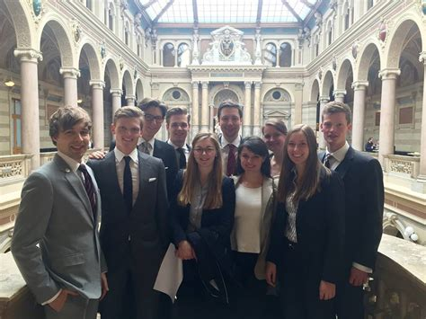 Bewerbung Uni Heidelberg Jura Erfolge Arbitration Moot Institut F 252 R Ausl 228 Ndisches Und Internationales Privat Und