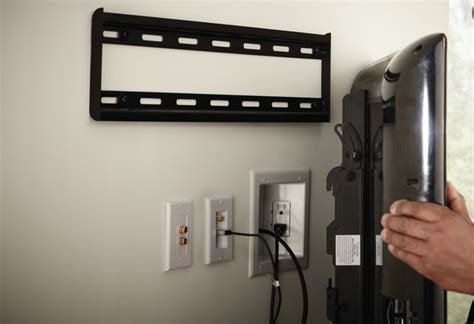 Bilder An Wand Befestigen by A Guide To Wall Mounting Your Flat Screen Tv At The Home Depot