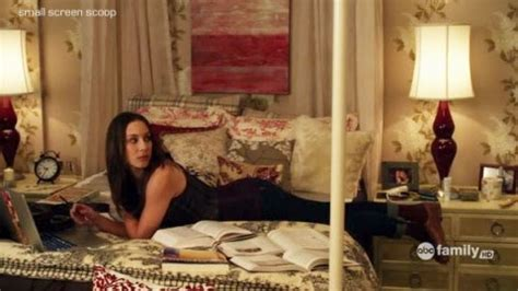 spencer hastings bedroom a girl like you spencer s hanna s aria s emily s