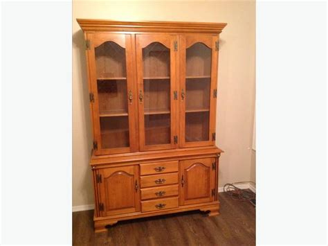 Roxton Dining Room Hutch Roxton Solid Maple China Cabinet