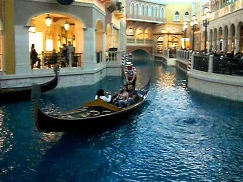 boat show las vegas las vegas venetian hotel indoor gondola boat youtube