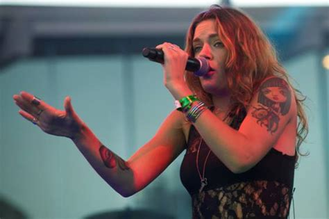 tove lo tattoo tove lo tattoos tattooed