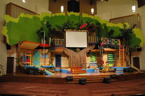 Grinch Decorating Ideas by Tree House Themed Stage Church Decor Pinterest