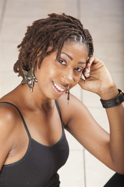 how to make dreadlocks with short hair styling your hair locs short dreads and my hair on pinterest