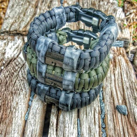 what are paracord survival bracelets paracord survival bracelet the awesomer