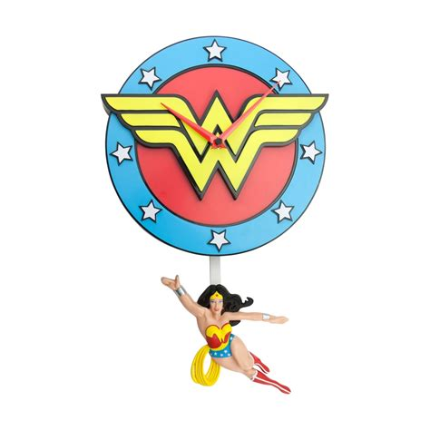 swinging wonder wonder woman pendule swinging wonder woman figurine